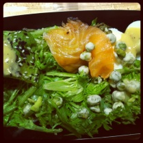 Smoked salmon, wasabi peas, avocado, egg, sesame seeds, wasabi dressing. Perfect lunch food