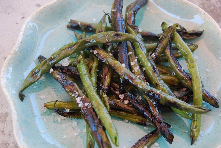 summer simple – grilled green beans