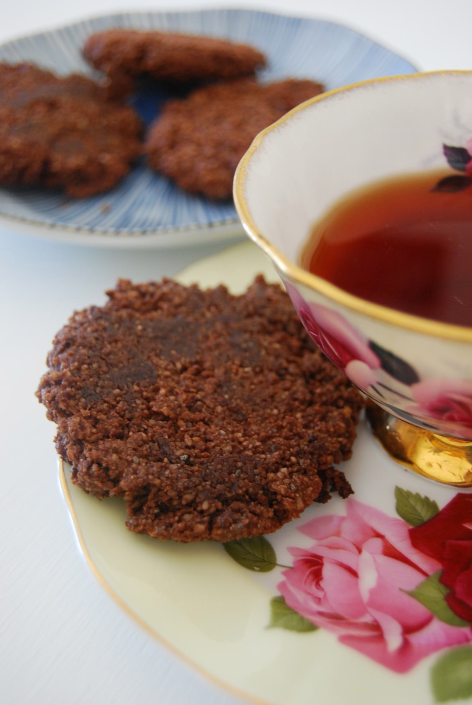 a gluten and dairy free chocolate cookie you can eat for breakfast