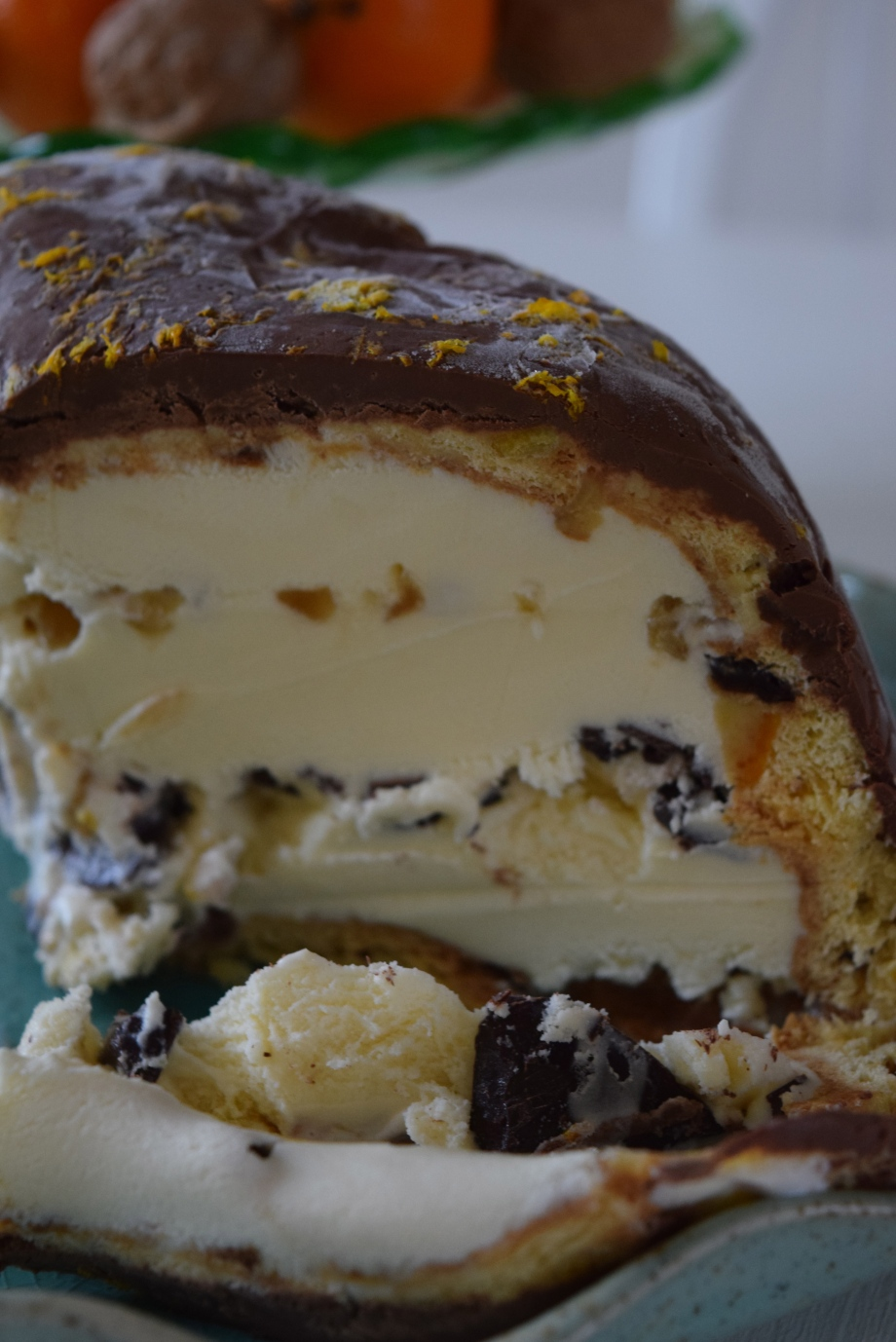 easy peasy, make-ahead  showstopper – ice cream and chocolate Christmas pudding