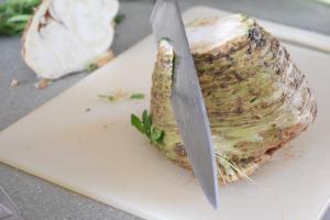 peel the celariac with a knife